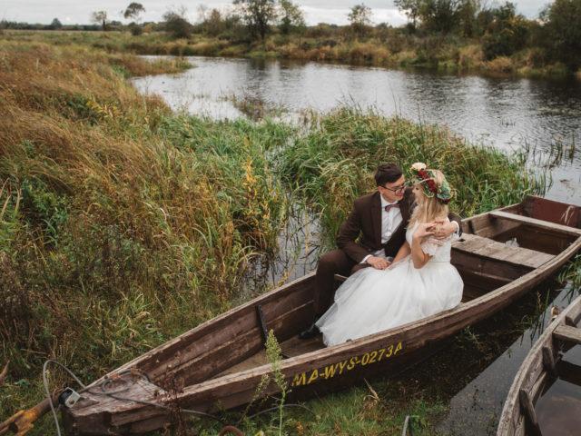 Zdjęcie z sesji plenerowej z artykułu jak wybrać fotografa ślubnego